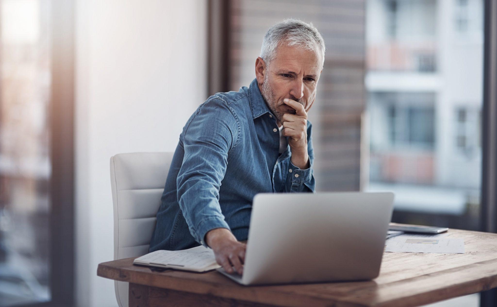 Como enviar e-mails para vários destinatários?